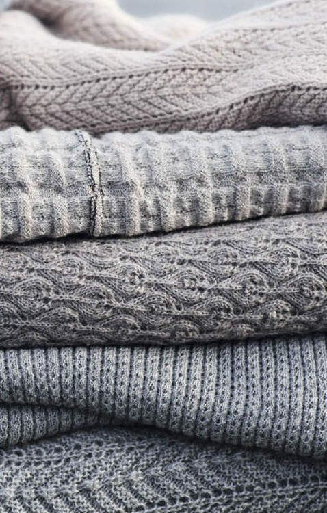 91df6be0e8 ... matière de grand foulards.A l'origine, le foulard indien en soie est un  morceau de tissu, carré ou rectangle, qui se porte sur la tête ou autour du  cou.