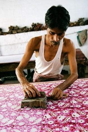 Artisan de soie d'Inde