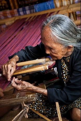 Artisan de Foulard en soie sauvage
